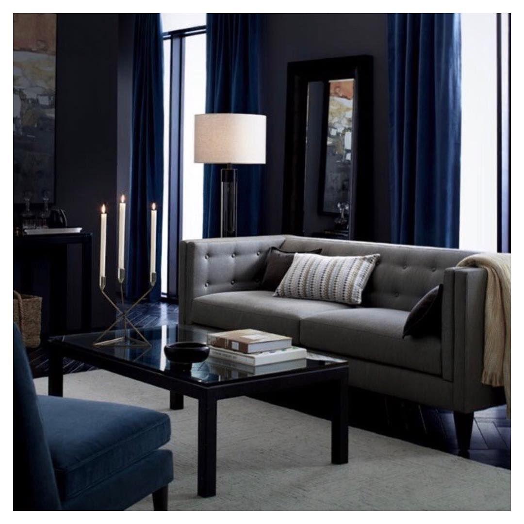 Salon Elegant Et Chic Couleur Fonce Gris Et Bleu Marine Rideau