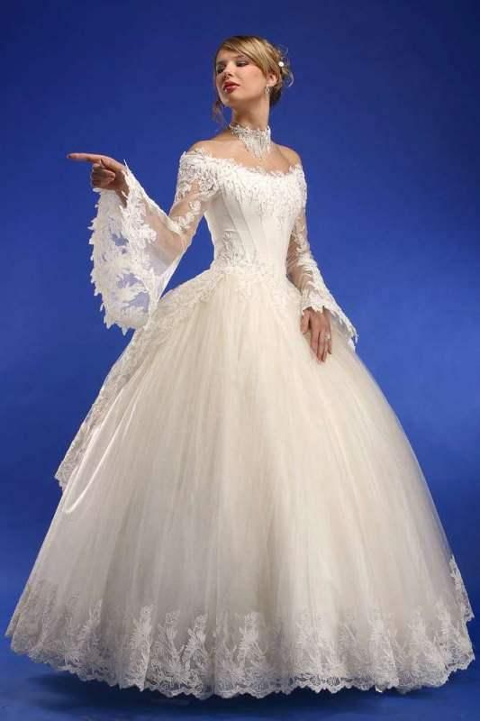 9f188085091a Gorgeous Wedding Dresses From Ukraine looks like a beautiful southern wedding  dress