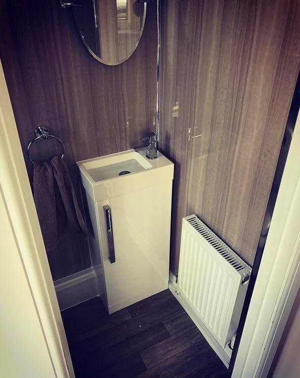 bathroom installation using the selkie  lynx dimension