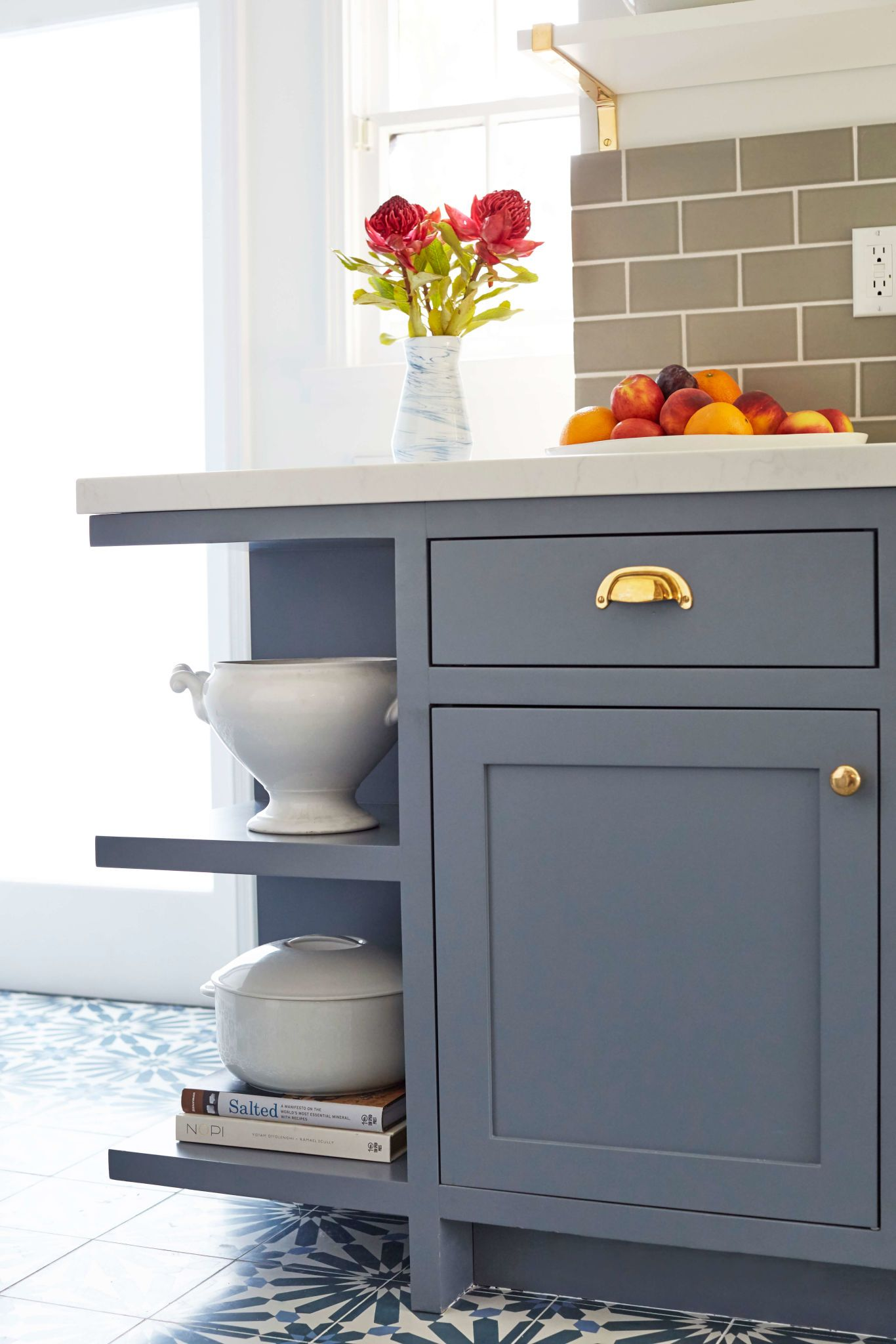 Love These Cabinets/drawersu0027s Lines: Simple Shaker Cabinet, Flat Face  Drawers. From Emily Henderson