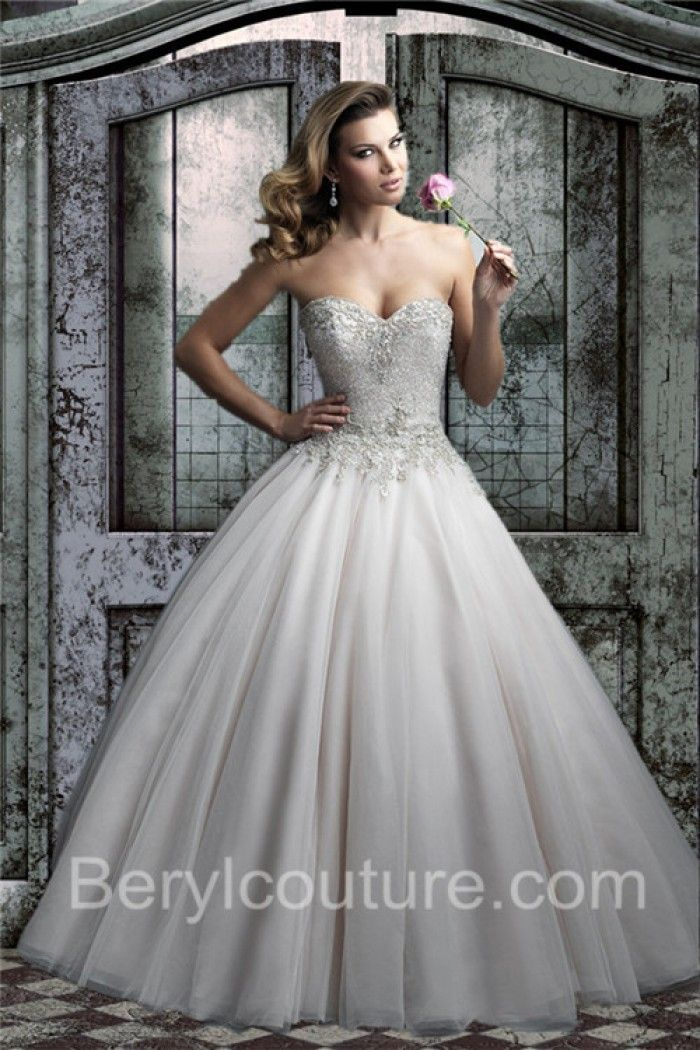 Puffy Ball Gown Sweetheart V Back Tulle Lace Beaded Wedding Dress