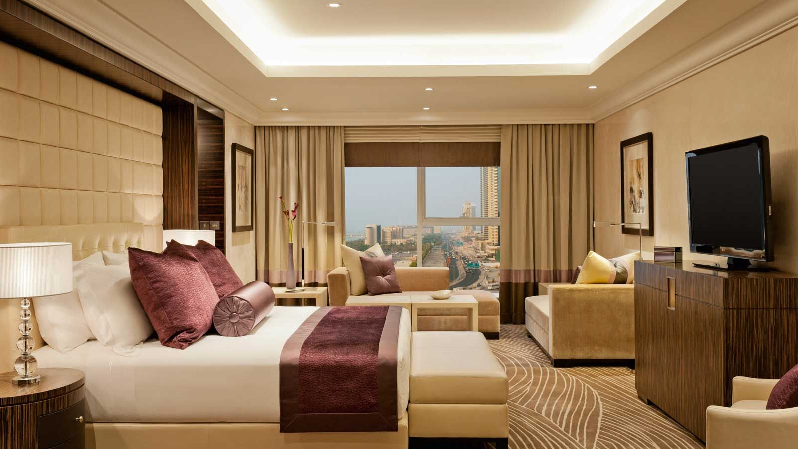 Grosvenor house dubai royal suite bedroom http for Most expensive hotel room in dubai