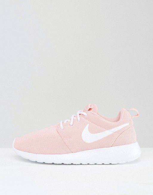 e16ae92e6a53d Size 7! nikes! Womans shoes! In great