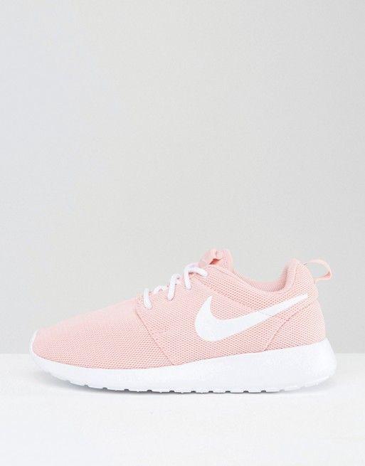 Nike Roshe One Sneaker In Rosa Nike Schuhe Damen Mode Stiefel Rosa Nikes