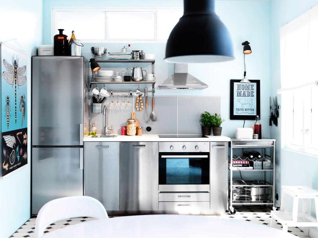 Einzeilige Küche metod moderne einzeilige küche mit hyttan fronten und dunklen