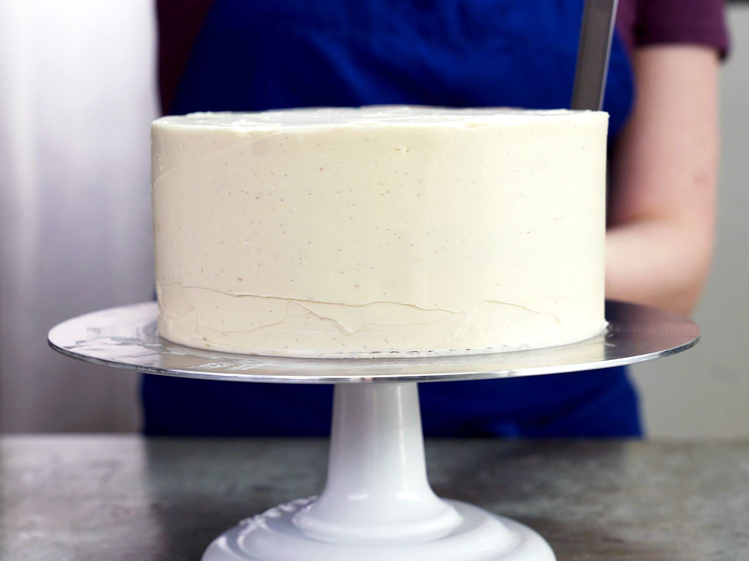 How To Crumb Coat A Layer Cake Bake Sale Possible Recipes Cake