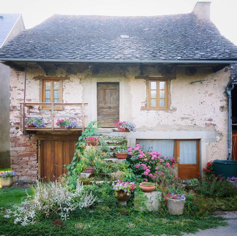 charmed by this rustic exterior