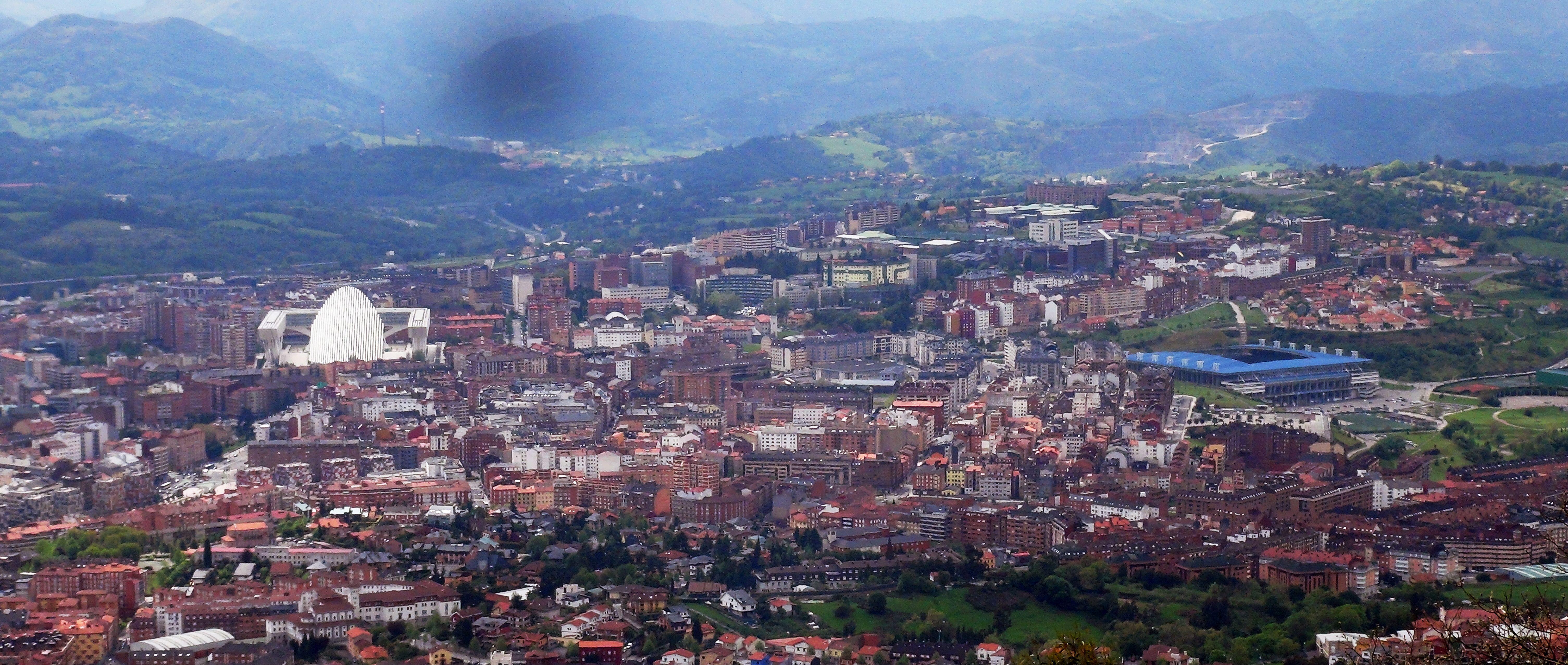 Vista Parcial De La Ciudad De Oviedo Desde El Monte Naranco Oviedo Ciudades Vistas