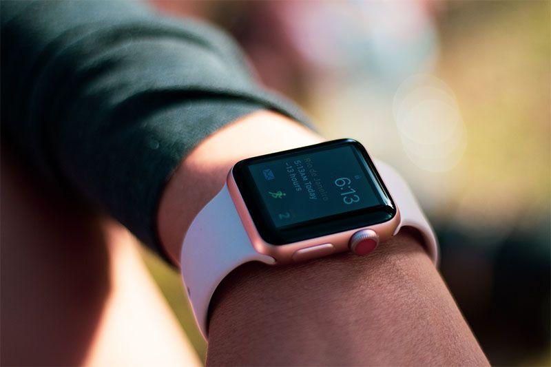 Pelicula Nano Gel Dupla Com Bordas Pretas Para Apple Watch Disponivel Nas Versoes 38mm 40mm 42mm E 44mm Adquira Apple Watch Smartwatch Pelicula De Vidro