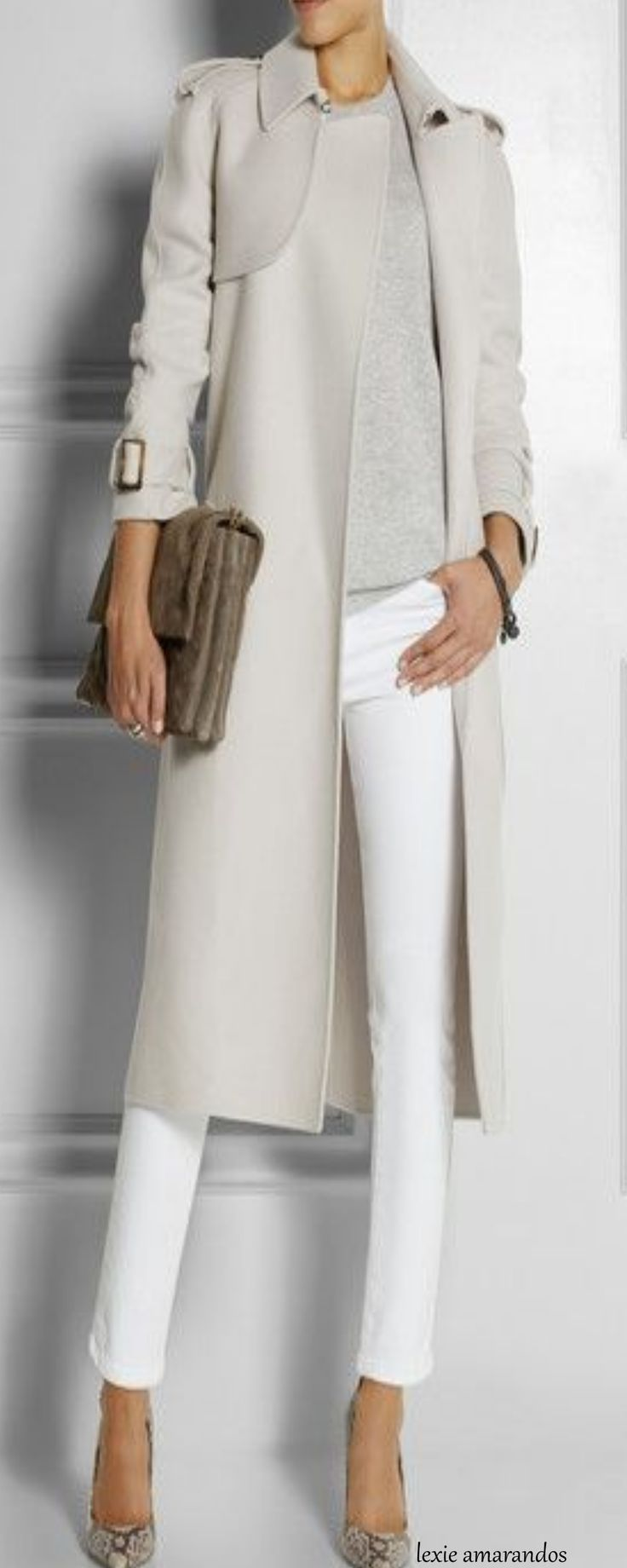 This outfit is so simple and elegant, and I am sorry to ...