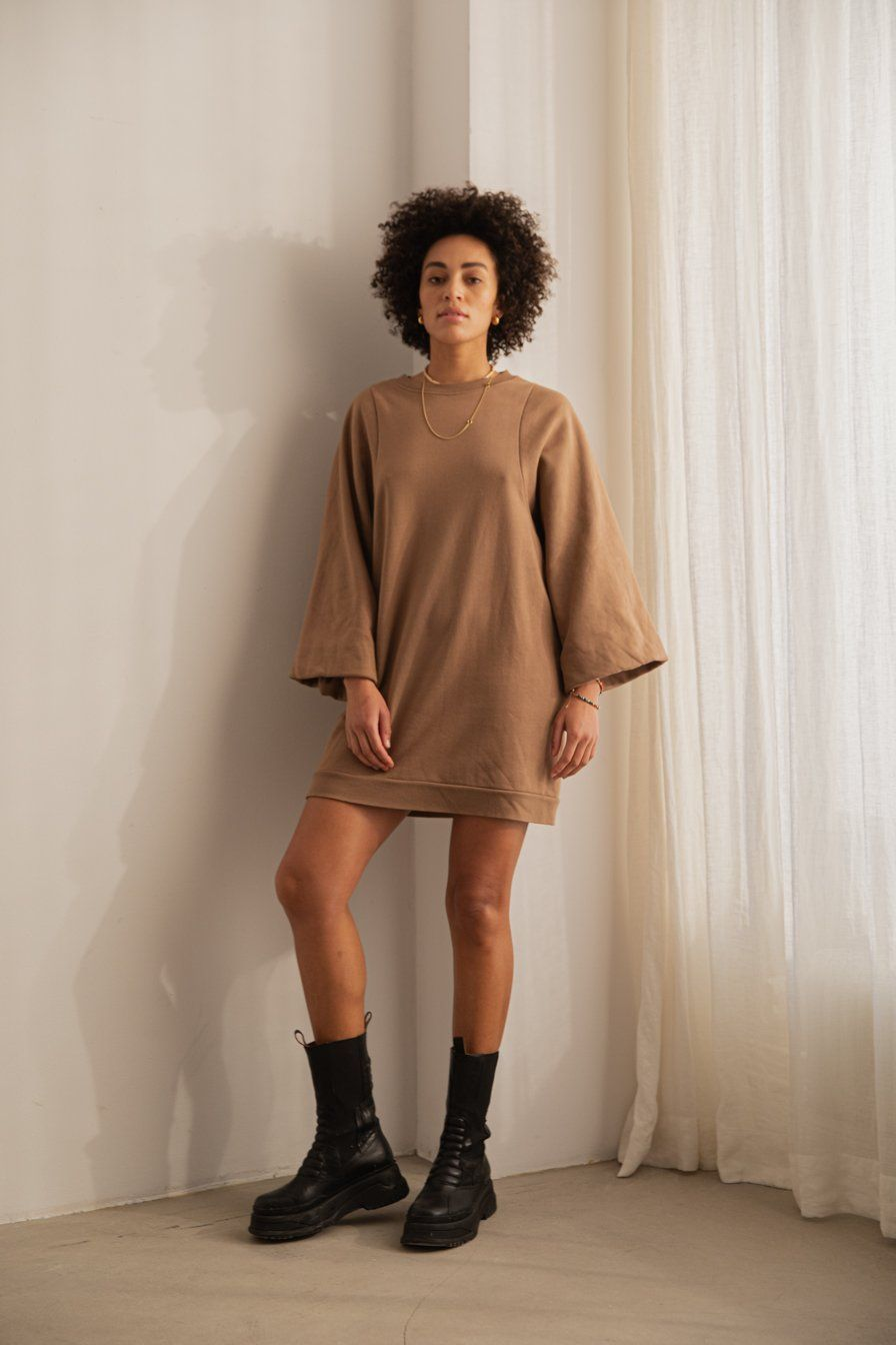 Photo of SUPER OVERSIZED PUFF SLEEVE DRESS Toffee – L / TOFFEE