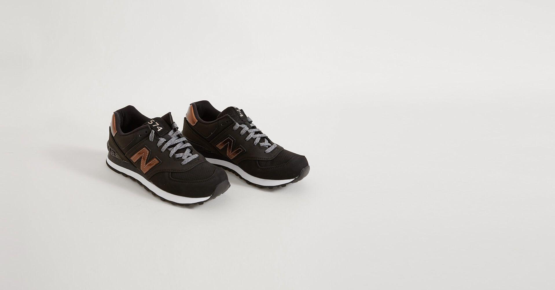 Couleurs variées cd4dc 5b21e New Balance Varsity Sport Shoe - Women's Shoes in Black ...