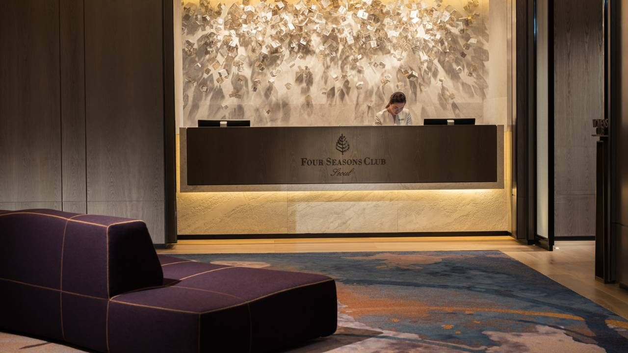 View photos and videos of four seasons hotel seoul a for Design hotel 4 stars