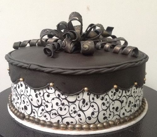 Elegant Birthday Cake For Mom Cakes Adults Cooking Recipes In Hindi