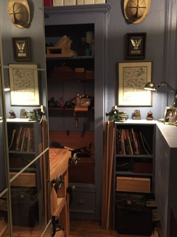 """Finally,Iwanted to share some pics of my petit Roubo bench and the corner of my home office I chipped away for handtool woodworking.  [gallery ids=""""1292,1289,1293,1290,1291,1295,1294,…"""
