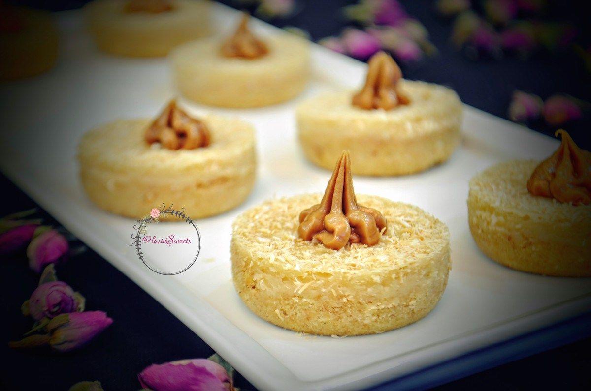 ميني زبدة اللوتس منفرد بطعمه اللذيذ وشكله اللمميز للتقديم Food Desserts Pudding