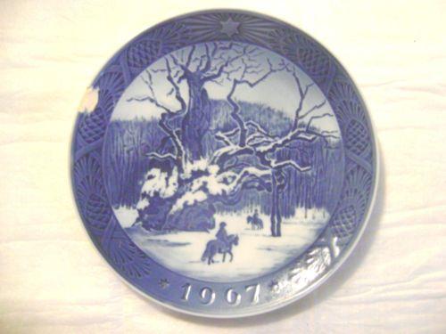 *196-PORCELAIN PLATE-ROYAL COPENHAGEN-DENMARK-KAI LANGE-THE ROYAL OAK*
