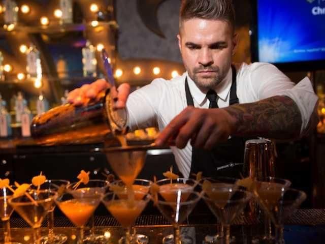 Here you can hire hot female and male bartenders, book a bartender - bartender skills
