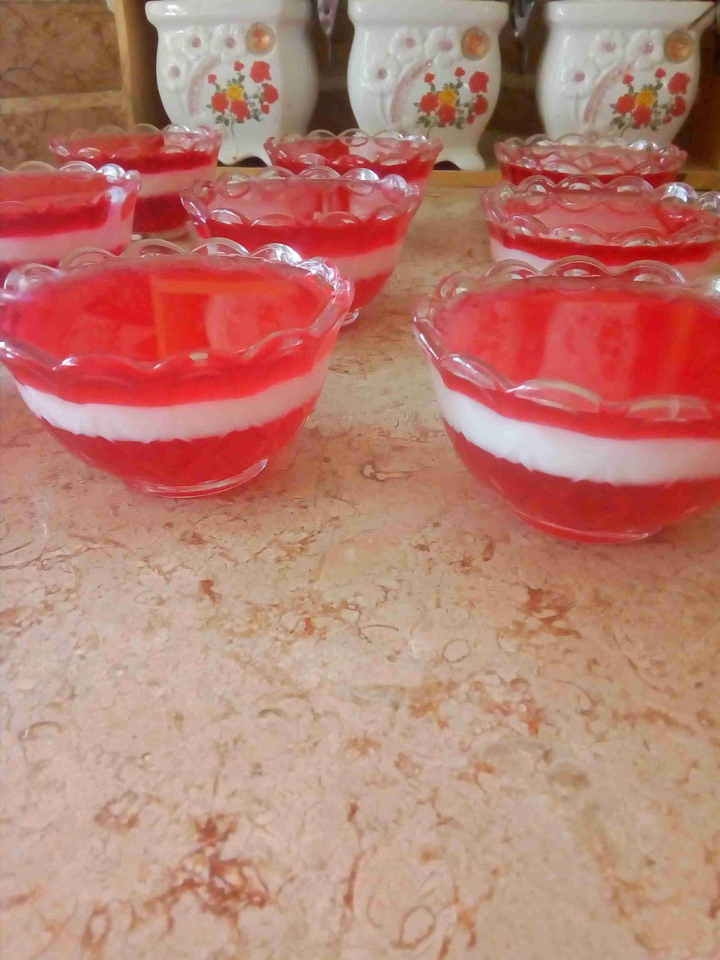 طبقات الجلي والمهلبيه زاكي Recipe Yummy Desserts Bowl