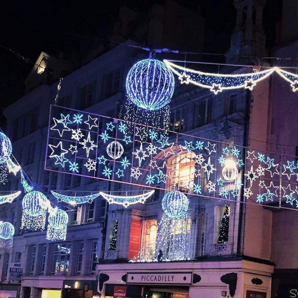 Christmas Lights at Birmingham's Frankfurt Christmas Market & Craft Fair | Christmas market ...