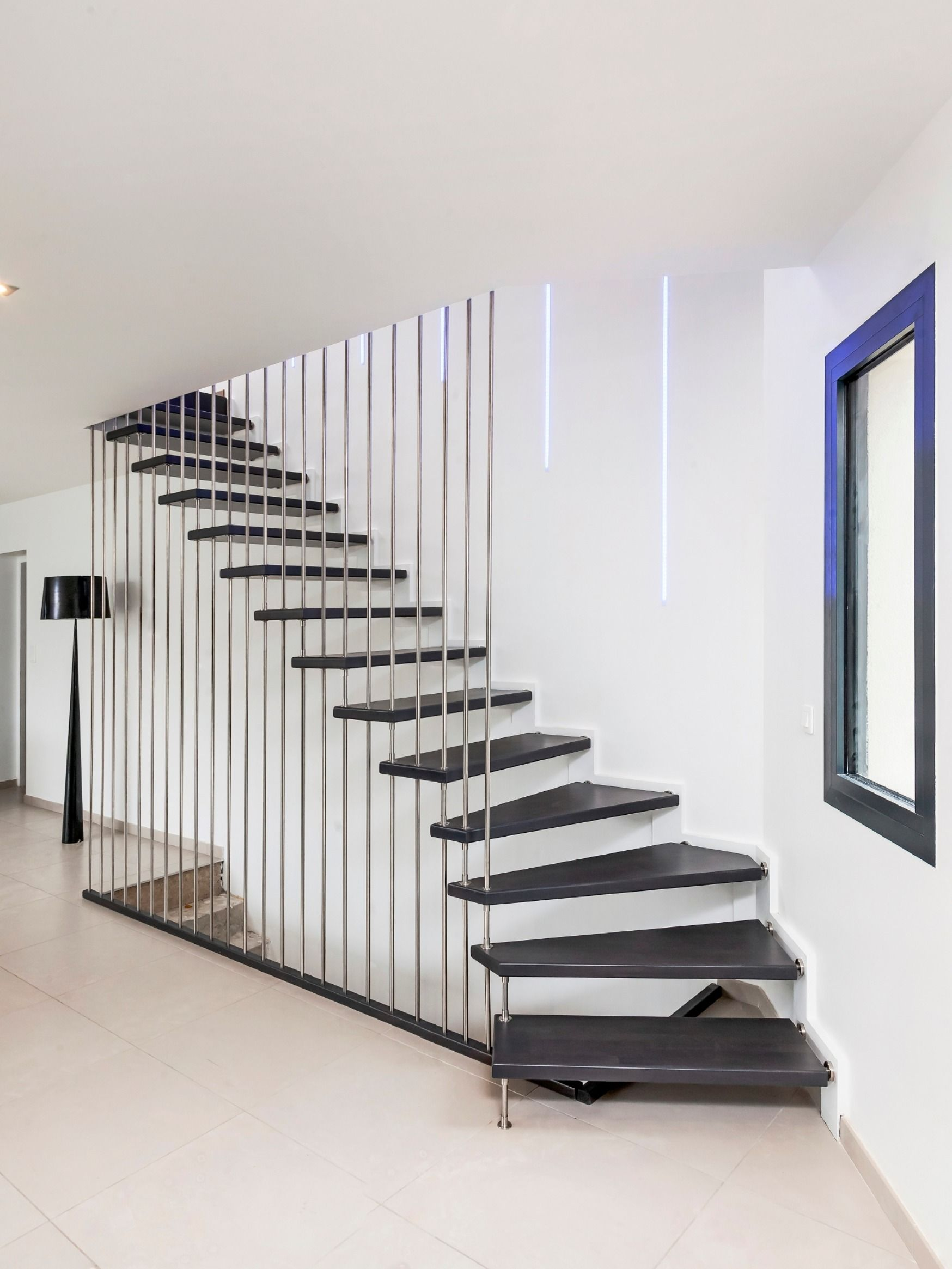 Rambarde Escalier Noir Et Bois