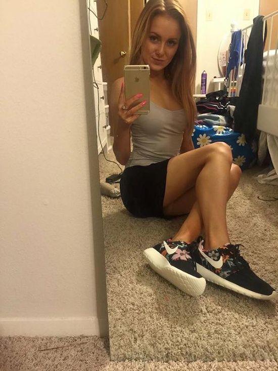 girl selfie Amateur mirror