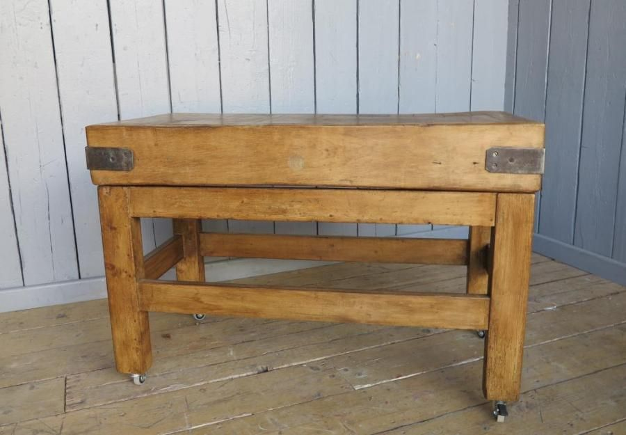 Antique Waxed Butchers Block For Sale On Salvoweb From Uk Architectural Antiques In Staffordshire Salvo C Antique Kitchen Architectural Antiques Butcher Block