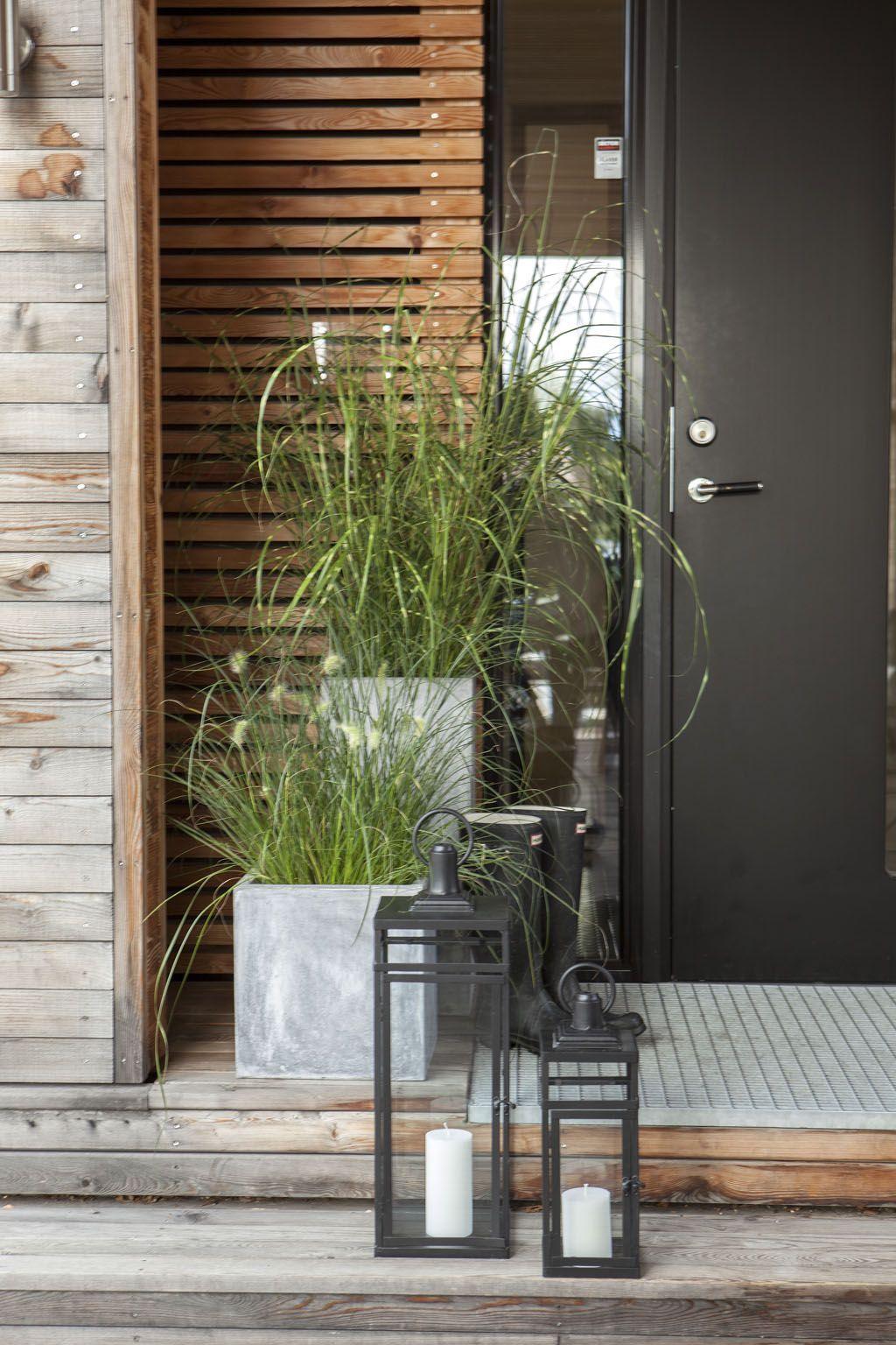 現代黑色金屬,表面處理過的木牆,表面不處理的幕牆。 裝飾石質,鐵架。 (med billeder) | Forhave, Haveideer, Dekoration