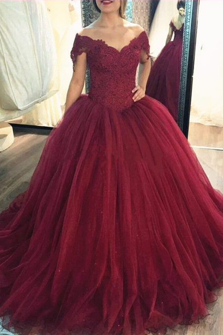 9979197e793 Scoop Neck Lace Tulle Red Ball Gowns Long Sleeved Evening Dresses in ...