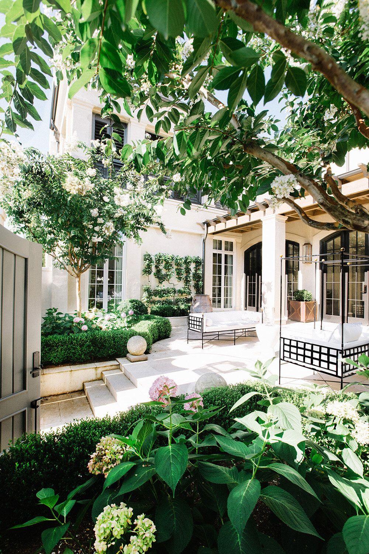 Nashville Architectural Photographer Leslee Mitchell In 2020 Courtyard Gardens Design Landscaping Around House Landscape Design