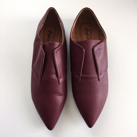 Pointed Oxford flats Qupid wine red pointed Oxford flats | never worn | brand new condition | the shapes are a little off due to being stored away for a while, but will easily reform once worn | trades  offers  Qupid Shoes Flats & Loafers