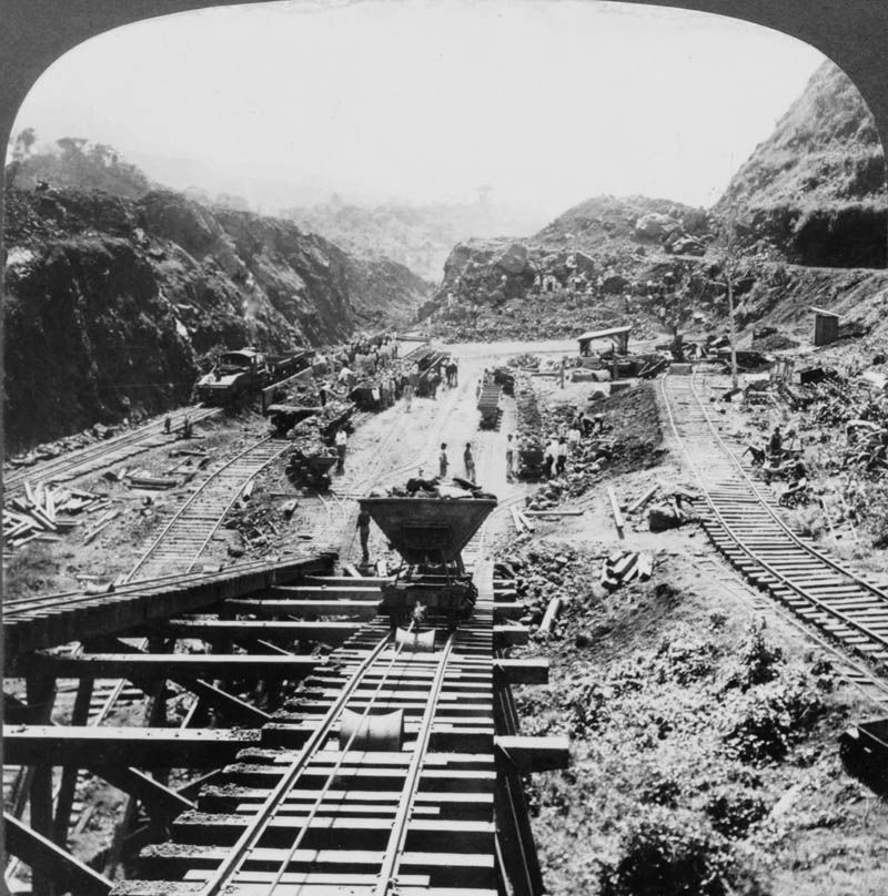 Panama Canal under construction