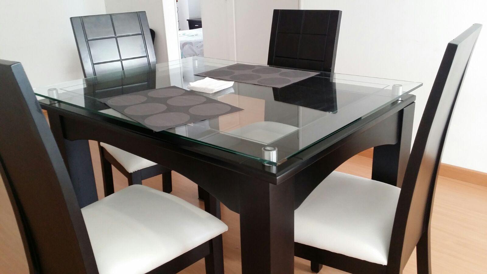 comedor de 4 puestos en madera y vidrio comedor