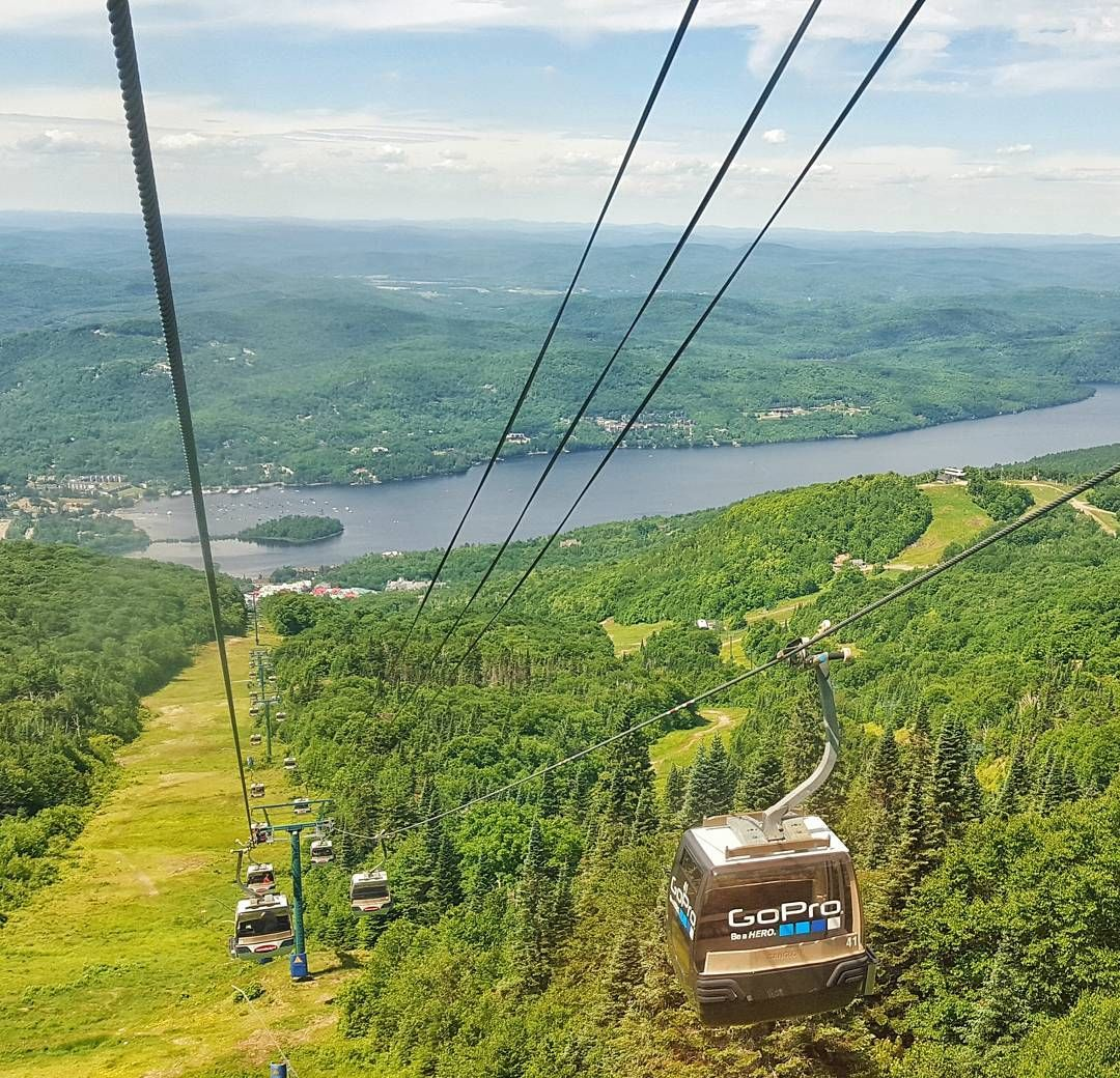 Beautiful views from the gondola @monttremblant #mountains #tremblant #view #green #gondolas