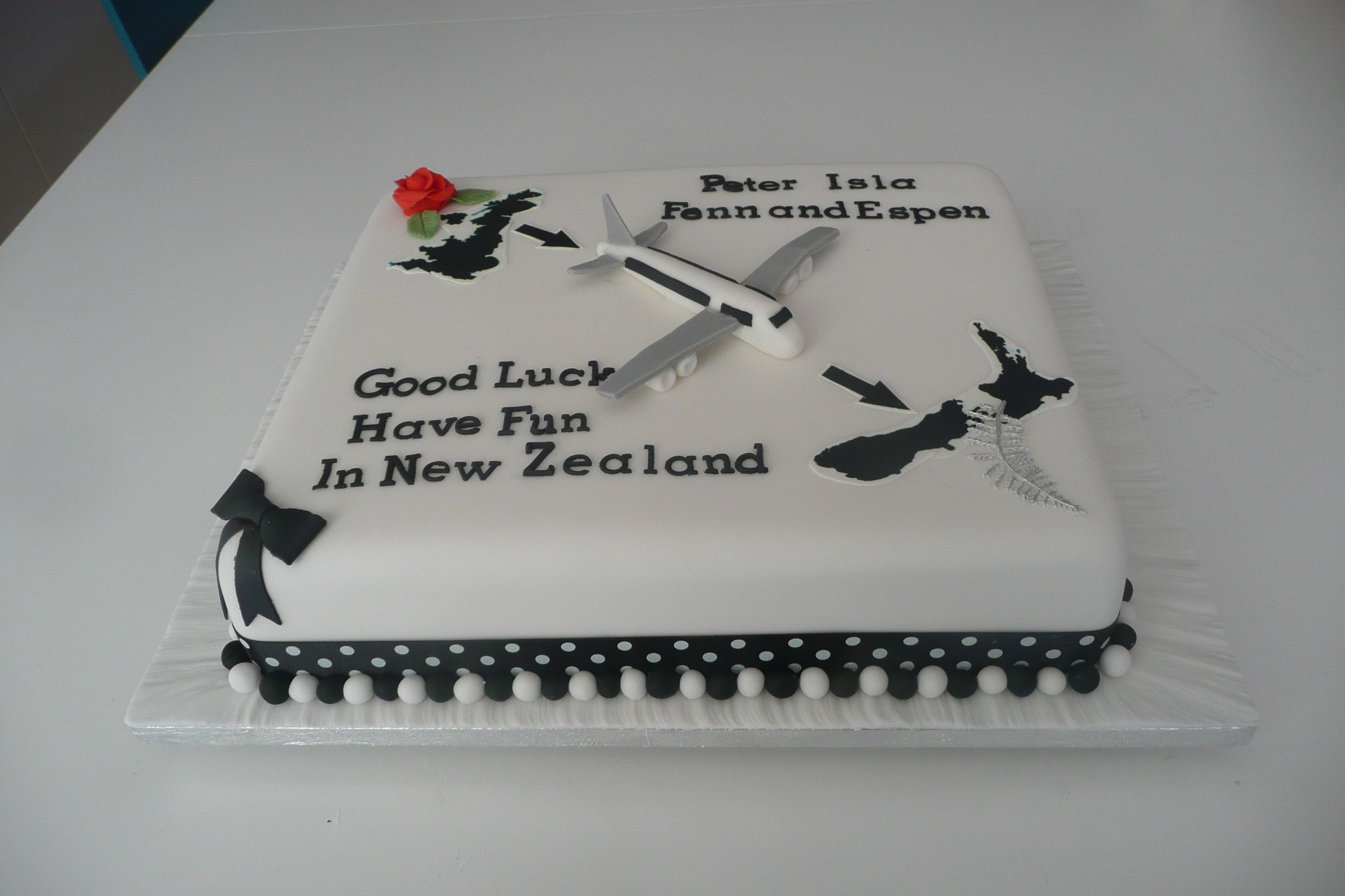A cake for a family emigrating to New Zealand Travel