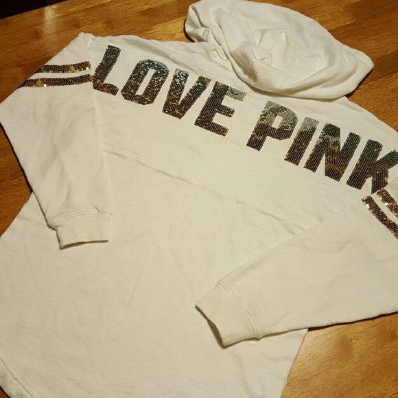 EUC Small vs pink bling crew EUC Small vs pink bling crew! Up for trades for newer vs pink only! Super cute perfect condition got in a trade but it's too small on me. PINK Victoria's Secret Sweaters Crew & Scoop Necks