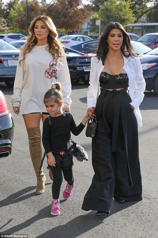 6f2ddb2a67 Kourtney Kardashian wears black lace bra to breakfast