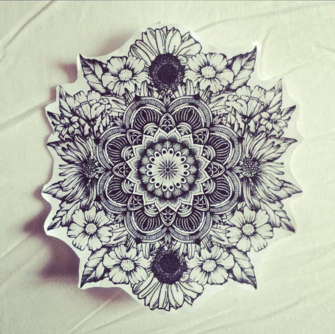 Each Persons Life Is Like A Mandala A Vast Limitless Circle We Stand In The Center Of Our Own Circle Tattoo Ideen Mandala Blumen Tattoo Mandala Tattoo Design