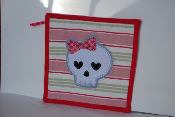 £4.00 Pot Stand/Holder with Cute Skull Free Motion Applique