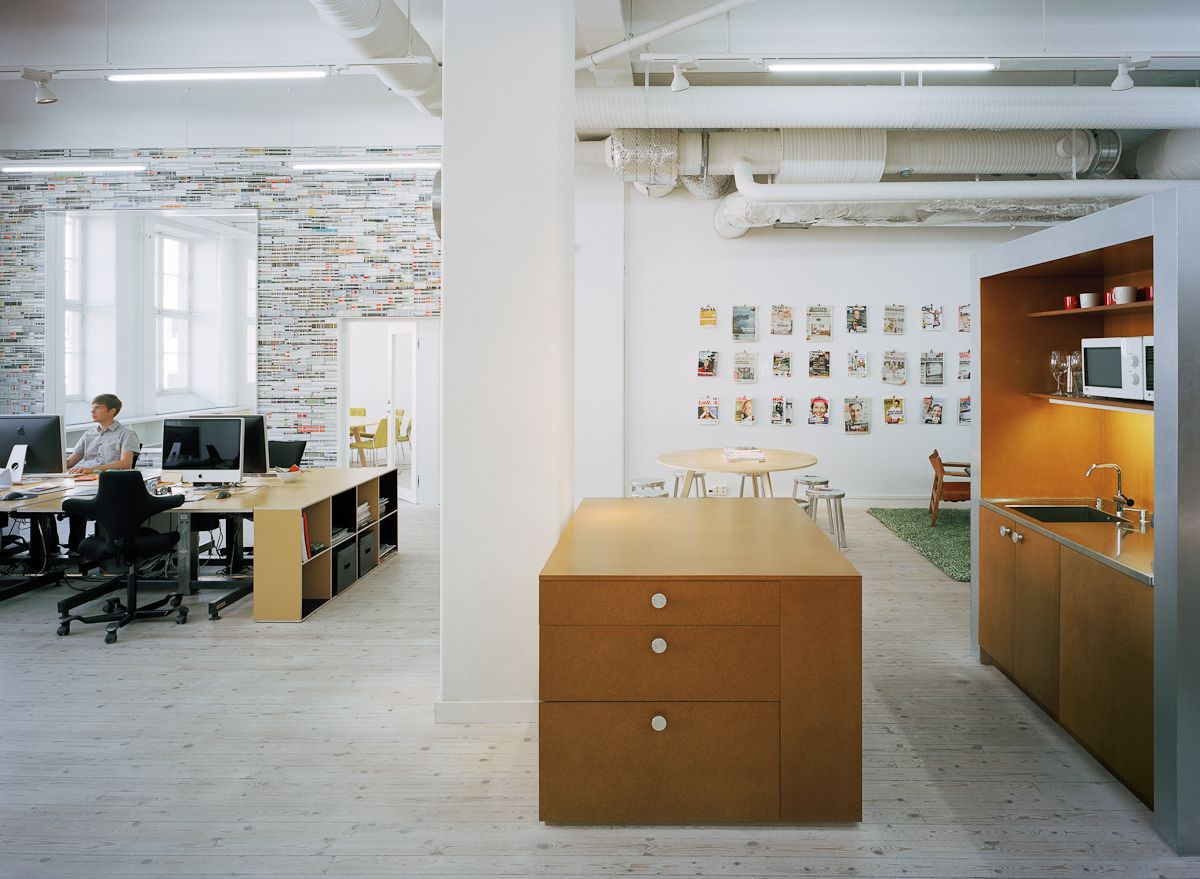 Suspended table by berstein architects - Architectural Photographers