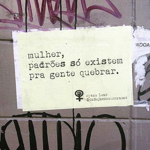 bora quebrar tudo?  foto via @dunwiich  #ondejazzmeucoracao #streetartsp #011 #artederua #intervençãourbana #splovers #vozesdacidade #lamblamb #sp #lambelambe #olheosmuros #osmurosfalam #arteurbana #vinarua #acidadefala #olheosmuros #poesiaderua #asruasfalam #oqueasruasfalam #pelasruas #taescritoemsampa #urbanart #pelosmuros #txturbano #saopaulo #ruaspoeticas #olheasruas #ryaneleao #sp4you #feminismo