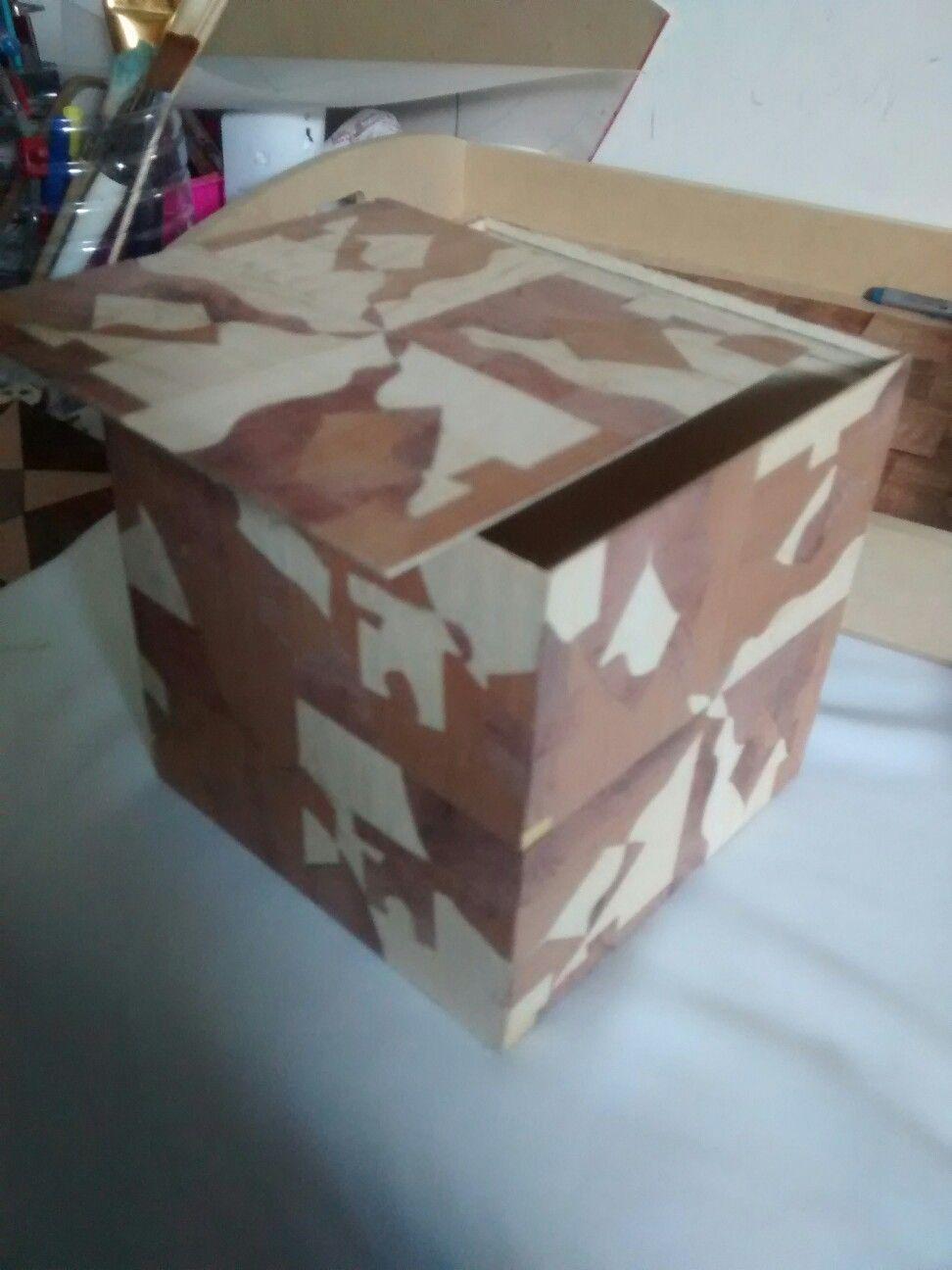 Caja cubo paquetería