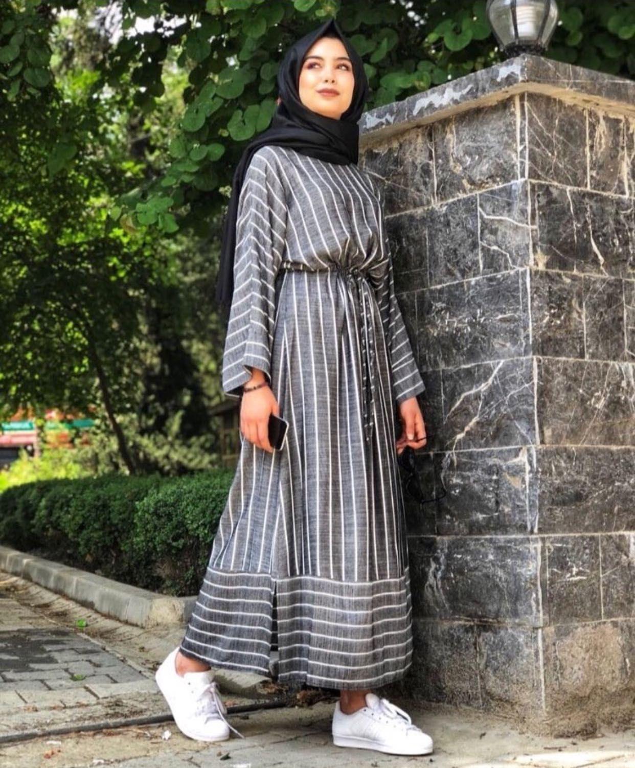 Cizgili Tesettur Salas Elbise Modelleri Elbise Islami Giyim Elbise Modelleri