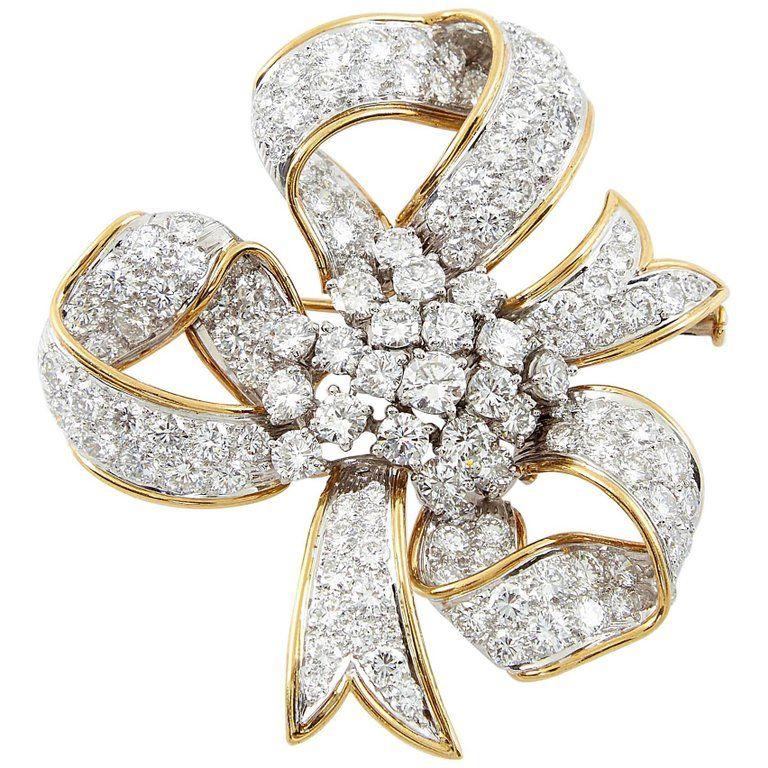 David Webb Ribbon Diamond Gold Bow Brooch