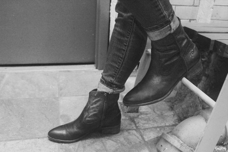 FRYE Womens Ray Seam Short Boot