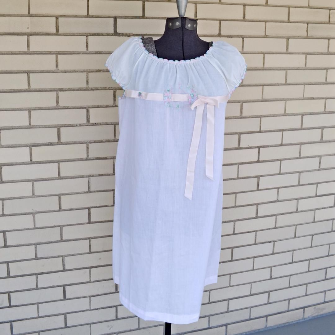 Sold 60s Pink And White Nightgown By Schrank Size Medium White Nightgown Night Gown Pink