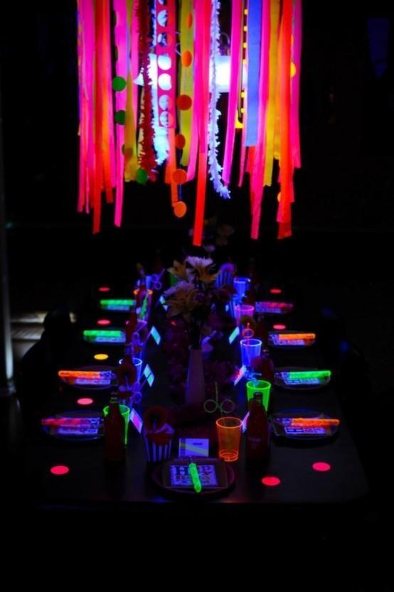Atemberaubende Neon Halloween Dekor Ideen 5 | 13 ...