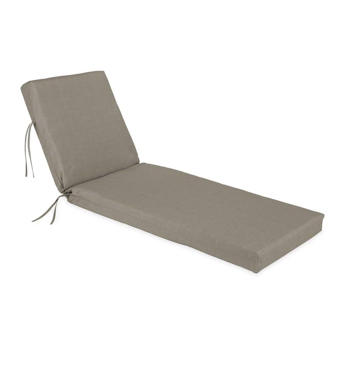 Our Knife Edge Sunbrella Classic Chaise Cushion With Ties Is Available In Different Colors To Suit Any De In 2020 Chaise Cushions Classic Cushions Indoor Outdoor Rugs