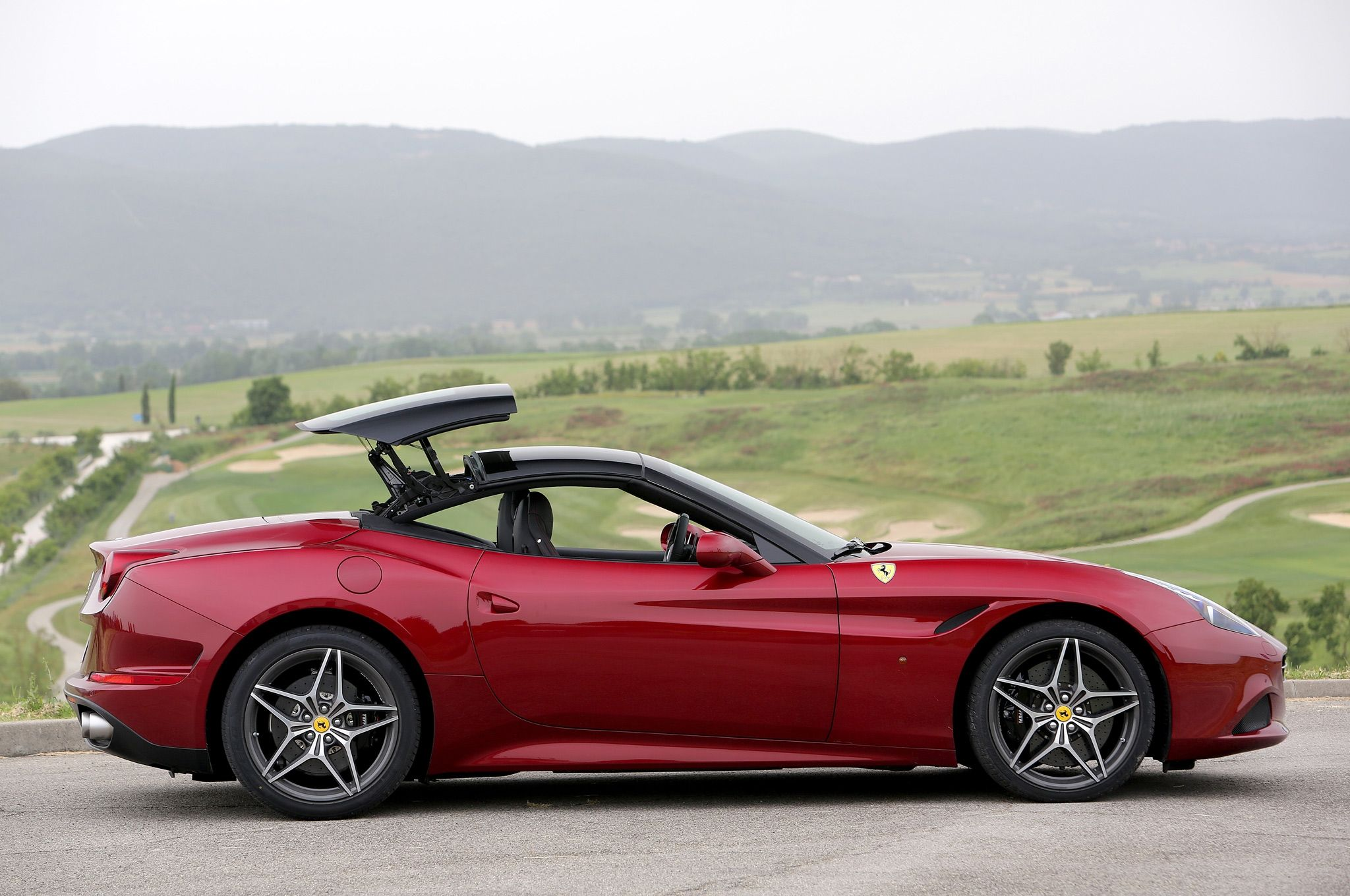 Rent a sports car ferrari california spider hire ferrari dubai contact us on parklane car