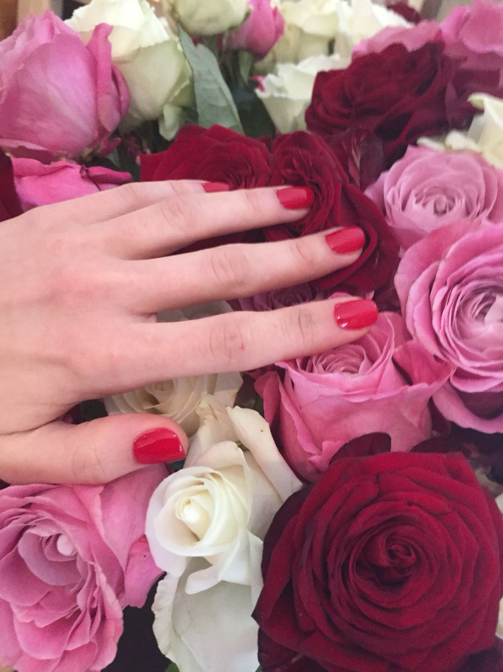 One of the most beautiful bouquet flowers rose rednails manicure one of the most beautiful bouquet flowers rose rednails manicure manipedi medicalpedicure akraboutique knightsbridge jennypackham diamond jewelry izmirmasajfo